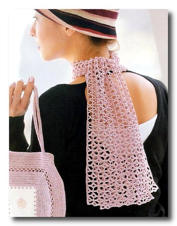 Нежно-розовый ажурный шарфик