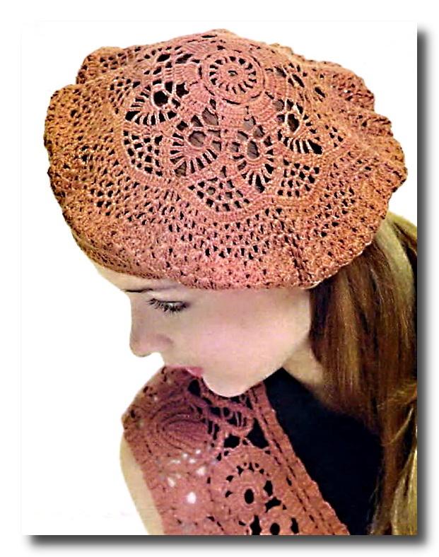 Рада представить вам фото описание и схему вязания модной шапки для женщин 2011 с красивым берет женский схема.