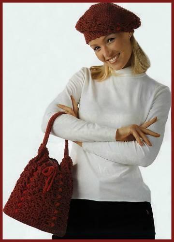 Вязаная сумочка и берет.  Схема вязания сумки крючком.