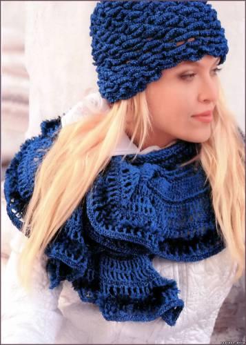 Шапочка-шлем и шарф крючком.